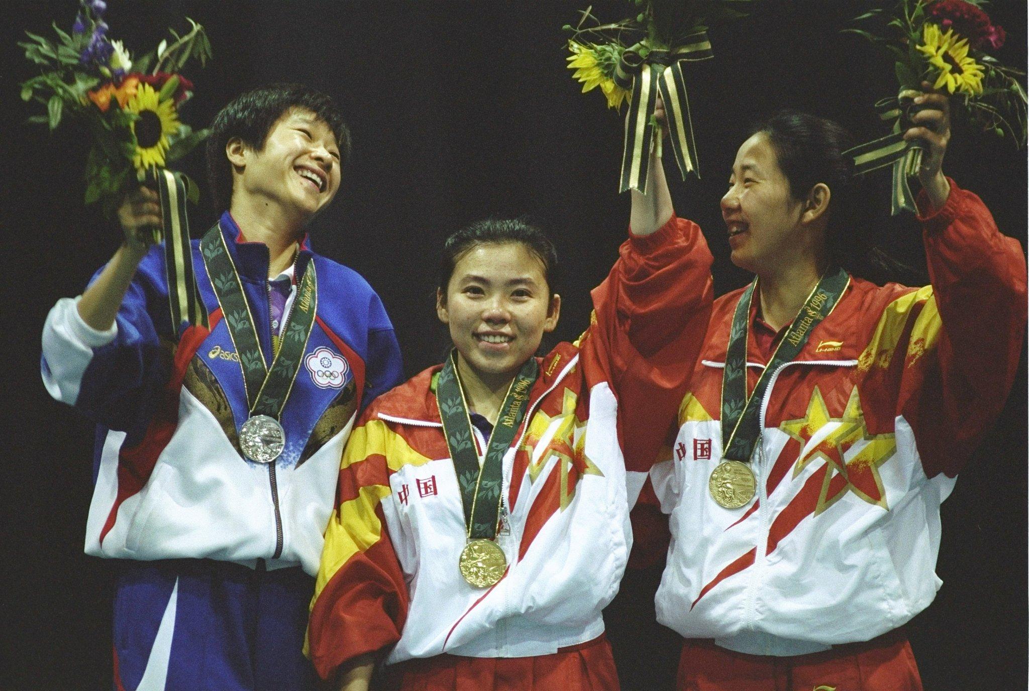 Deng Yaping levou o ouro em 1996 (Crédito: CFP)